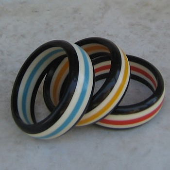 1960's resin bangles in circus colors - Costume Jewelry
