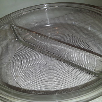 clear PYREX  round divided baking/chafing dish - Kitchen