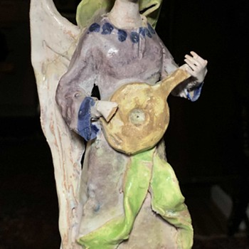 Angel Playing a Lute Sculpture - Figurines