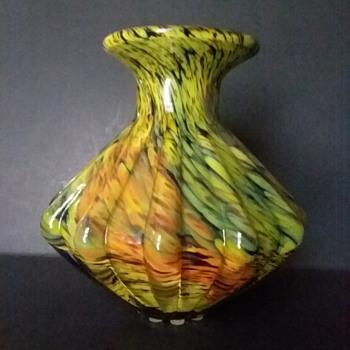 Japanese ribbed vase, 1950s-1960s - Art Glass