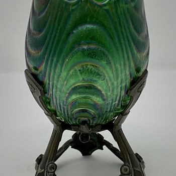 "Loetz ""Esmeralda"" Egg-Shaped vase, PN II-1475, ca. 1904 - Art Glass"