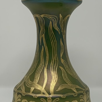 Loetz Russian Green Enameled Vase, Hofstötter Paris Form, Prod. Nr. II-368, ca. 1900 - Art Glass