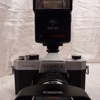 Yashica TL-Electro - Cameras