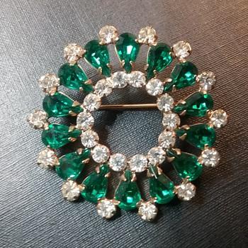 B David brooch and earrings set  - Costume Jewelry
