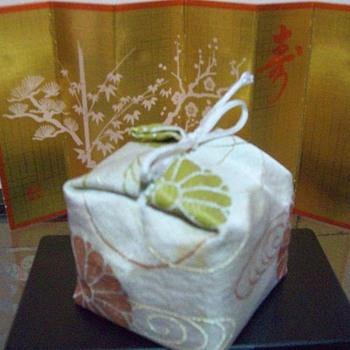Mystery Furniture or Accessory in the Hina Matsuri set - Dolls