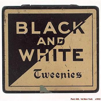 Tweenie  Advertising Pocket Watch in blued travel case - Advertising
