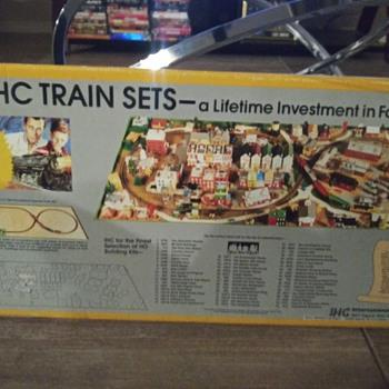 Thunderbolt Express - Model Trains