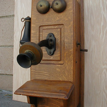 My antique crank telephone