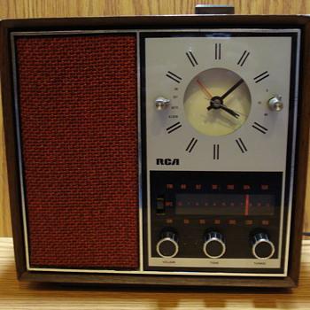 1970s RCA Clock Radio  - Radios