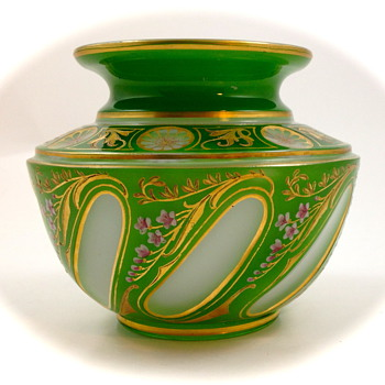 Josephinenhütte Cut-to-Clear vase designed by Alexander Pfohl, ca. 1927 - Art Glass