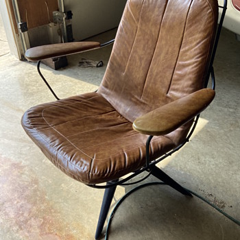 Mid-century leather and metal chair.  - Furniture