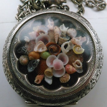 Silver pocket watch case from 1907 with a new use!