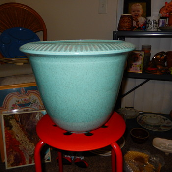 """1950's Red Wing Large Planter - 14""""x 11.5"""" - Pottery"""
