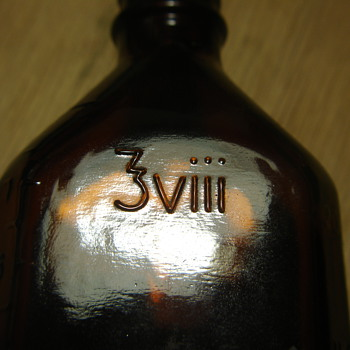 OLD BROWN BOTTLE with WEIRD MARKINGS. - Bottles