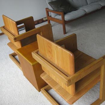 Pivot-back oak chairs - Furniture