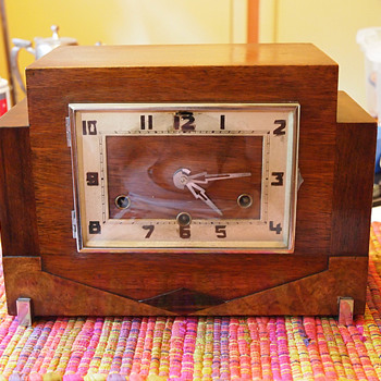 Skyscrapper Wooden Art Deco Mantle Clock with Westminster Chime 1930-35
