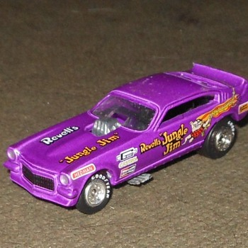 Johnny L>ightning/Playing Mantis JungleJim Funny Car - Model Cars