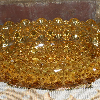 YELLOW LEAD CRYSTAL GONDOLA - Glassware