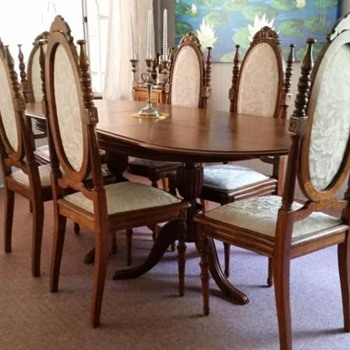 Lovely dining suite - Furniture