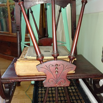 Georgian era Table with slight pivot?? - Furniture