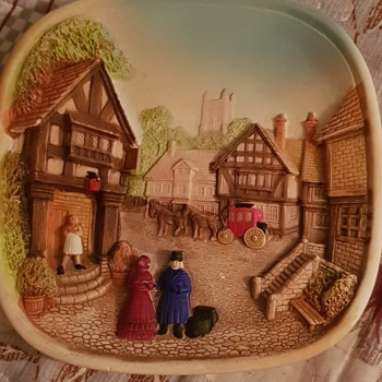 Wall plaque - Pottery