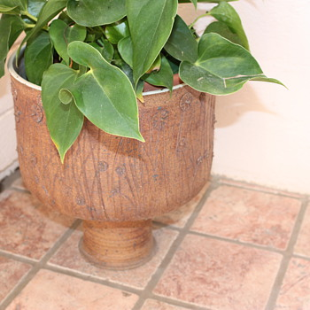 Mid Century Garden Pot Victoria Littlejohn? - Pottery