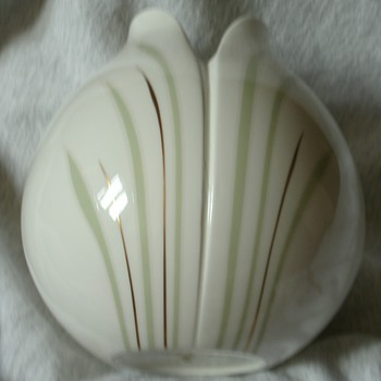 Royal Doulton... Impressions Series by Gerald Gulotta tulip vase - Pottery