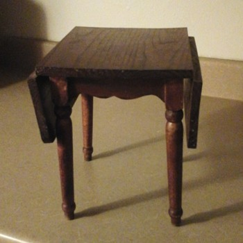 mini table with colapsable sides