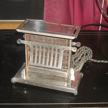 Landers, Frey and Clark Pinch Toaster Model E944 Circa 1920s - Kitchen