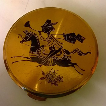 Vintage Mascot Brass Ladies Compact Thrift Shop Find $2.50 - Accessories