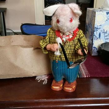 windup tin rabbit