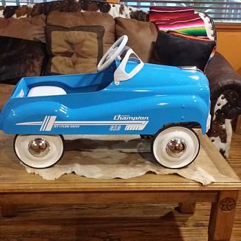 champion pedal car - Toys