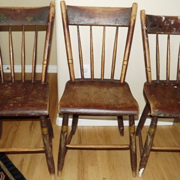 Old New England Wooden Kitchen Chairs - Furniture