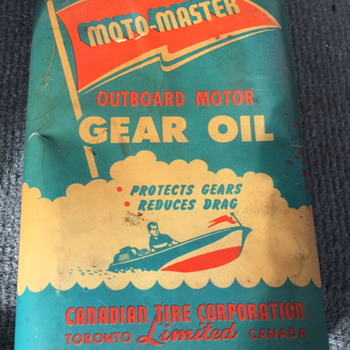 Moto-Master outboard motor gear oil can. - Petroliana