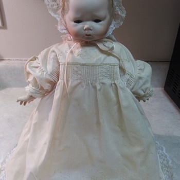 PORCELAIN BABY DOLL - Dolls