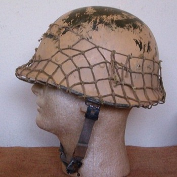IRAQI Helmet from DESERT STORM 1991 - Military and Wartime