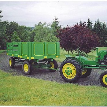 My 1941 J. D. L.A tractor,and parade wagon. - Tractors