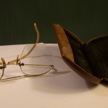 Grandaddys Spectacles in Gold - Accessories