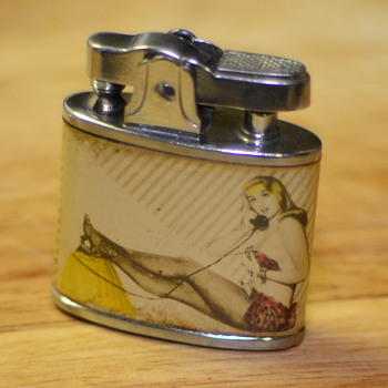 1950's Pin-up girl lighter - Tobacciana