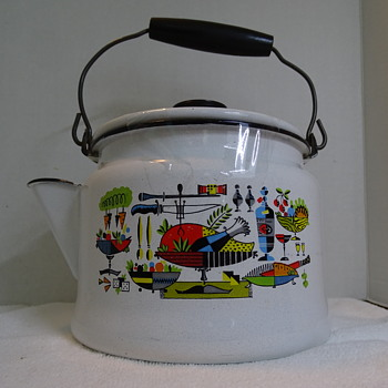 Mid Century Enamelware Kettle... Who made it?