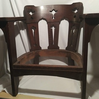 Unidentifiable chairs. PLEASE HELP!!! - Furniture