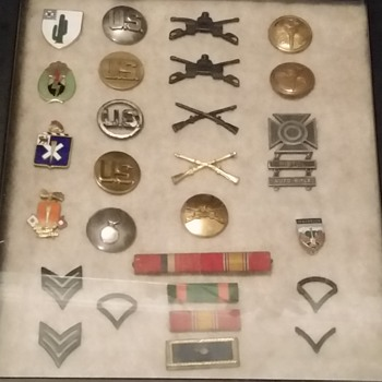 Show Amp Tell Military Insignia And Pins Collectors Weekly