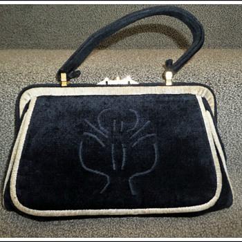 1950s Beghe Creation Italy black beige velvet cliplock handbag purse
