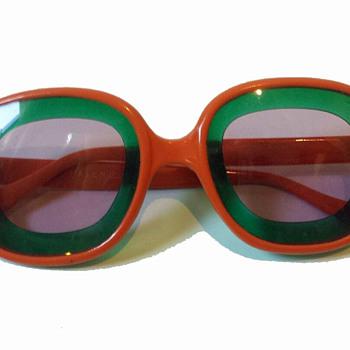 Vintage 1960s Psychedelic Orange Sunglasses w Two-Tone Lenses - Accessories