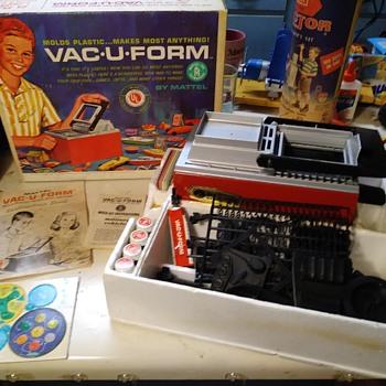 VAC U FORM - Toys