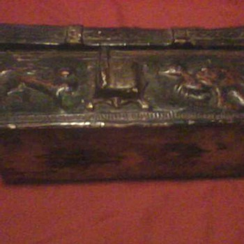 INTERESTING COMPOSITION ASIAN BOX - Folk Art