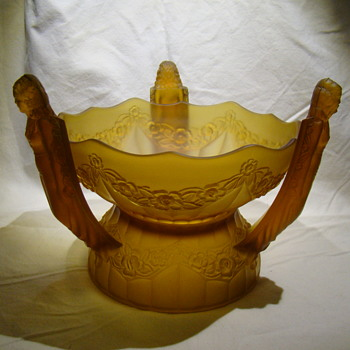 Centrepiece bowl on base with three arms in figural female forms  - Art Glass