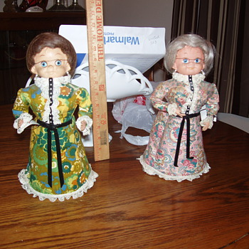 What are these dolls called, advice on ID'ing other dolls without damaging - Dolls