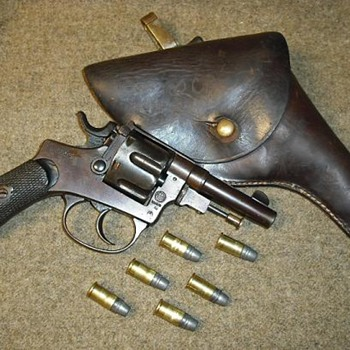 Italian Model 1889 Ordinance Revolver - Military and Wartime