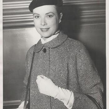 Grace Kelly Candid Photo (1955)